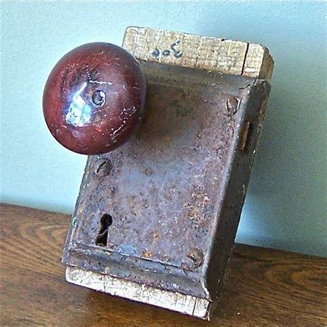 cool door knob and lock for shelf door knobs