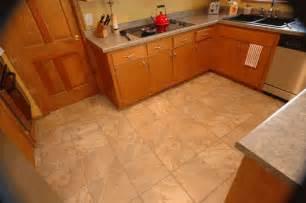 Tiled Kitchen Floors by Foto Colocacion Suelo Cocina Gres Rustico Reformas Y