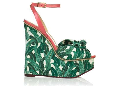 wedges inspired by blanche devereaux s bedroom wallpaper