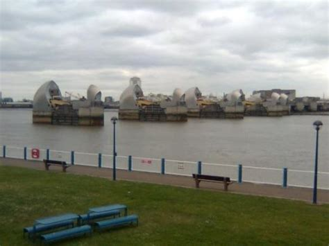thames barrier movie thames barrier 1 picture of the thames barrier london