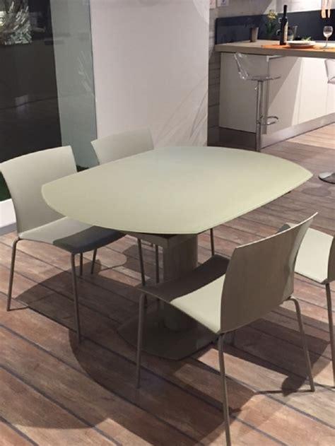 la seggiola tavoli la seggiola tavolo elleesse rotondo allungabile tavoli a