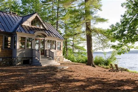 cozy cottage   lake diy network ultimate retreat