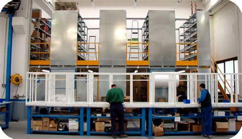 montaggio scaffali metallici scaffali metallici con divisori idee per interni e mobili