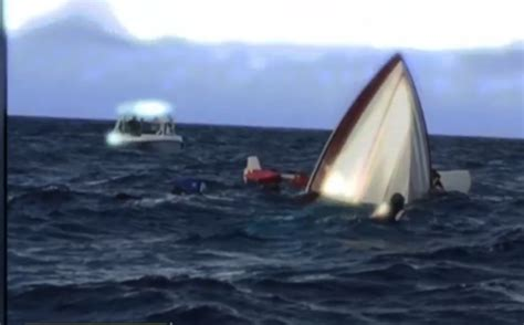sinking boat tragedy boaters on sinking boat rescued by lake worth couple