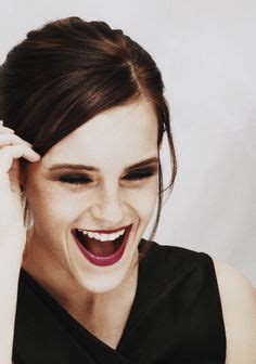 emma watson laughing laughing on pinterest laughing angelina jolie and smile