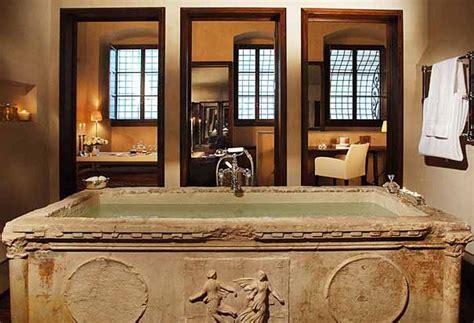 bagni lussuosi i 10 bagni d hotel pi 249 lussuosi al mondo corriere it