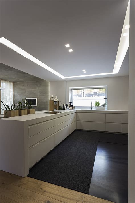 illuminazione soffitto led illuminare la cucina con strisce led e faretti architempore