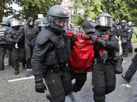 Vicenza G20 g20 amburgo nuovi scontri manifestanti bloccano melania