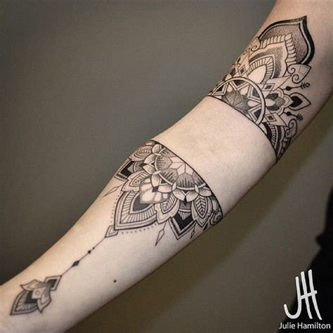 tattoo mandala girl 30 amazing mandala tattoos ideas for girls