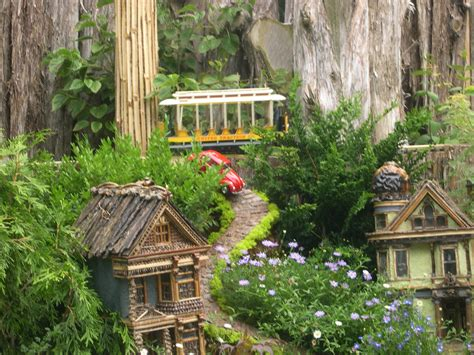 File San Francisco Train Model At The Botanic Garden Botanic Gardens Chicago