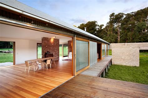 Modern Sheds Australia by Modern Wool Shed Pays Homage To Iconic Australian