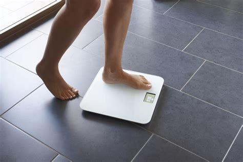 Bathroom Scale App by What Those Scale Weight Fluctuations Really Mean On The