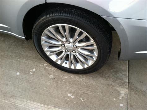 tire size for 2015 chrysler 200 wheel