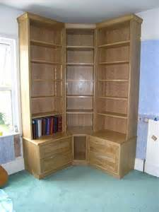 Corner Bookcase Plans Best 25 Corner Bookshelves Ideas On Book Wall Shelf Zig Zag Wall And Woodworking