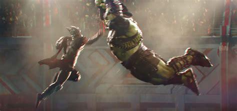 thor ragnarok film news thor ragnarok trailer hulk thor enter battle arena