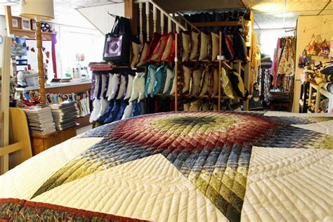 Quilt Shops In Lancaster County Pa by Country Farm Amish Quilt Shop Amish Farm Stay