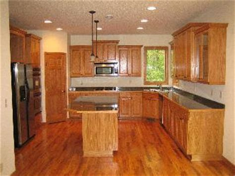 kitchen remodel ideas with oak cabinets kitchen remodel with oak cabinetry pictures and photos