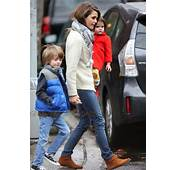 Keri Russell Does The School Run With Daughter Willa And