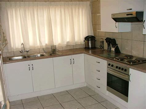 kitchen unit designs pictures small kitchen cupboards small flats and apartments