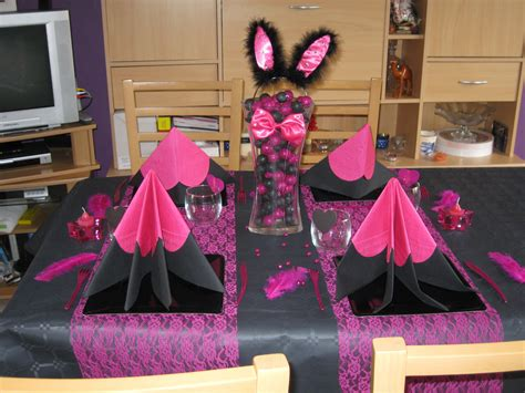 Deco Table Fushia Et Noir by D 233 Co Noir Fuschia