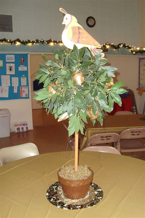 partridge in a pear tree christmas centerpieces