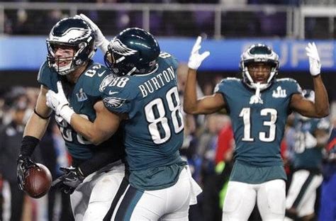zach ertz brings in td catch and brings home bowl ring