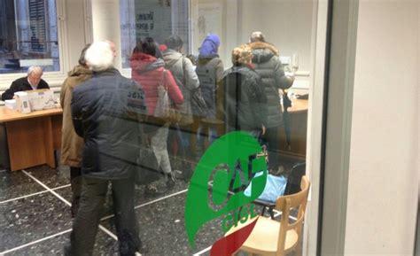 uffici caf torino assalto ai caf l unica certezza 232 il caos repubblica it