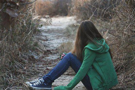 wallpaper of girl sitting alone trend love good alone sad girl alone sad girl