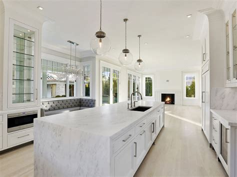 Benjamin Moore Simply White Kitchen Cabinets Popular Paint Color And Color Palette Ideas Home Bunch