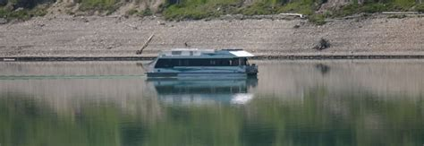 houseboat canada canada houseboat rentals travel tourism eh canada travel