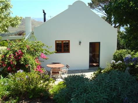 The Cottages At Berry by Berry Cottage Accommodation In Franschhoek Weekend