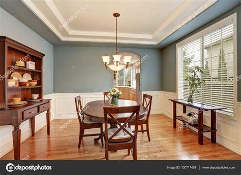 pareti verdi interni sala da pranzo classica americana interno con le pareti