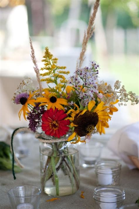 simple wildflower centerpieces      super