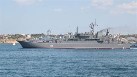 un barco zarpa a las 10am buque de guerra ruso zarpa rumbo a siria rt