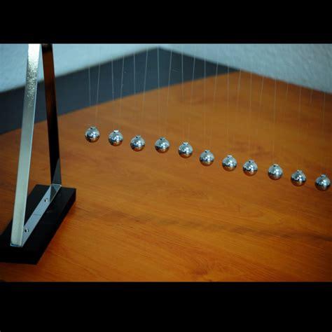 Maxi Galilea maxi pendule galil 233 o cadeau design bureau sur logeekdesign