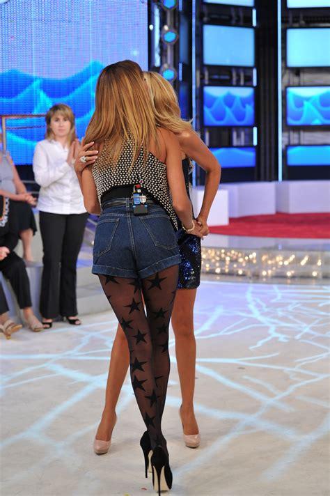 candid tv belen rodriguez candids on italian tv show 04 fabzz