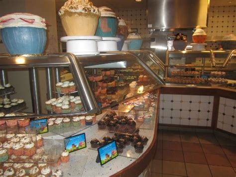 cupcake bar picture of spice market buffet las vegas