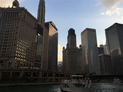 chicago boat tours evening chicago boat tours are more fun with felix and fingers