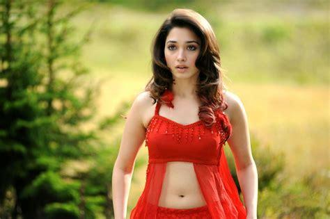 tamanna heroine ka photo chahiye actress tamanna bhatia hot pictures and sizzling