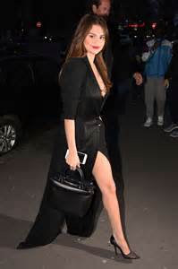 Dress Korea Paria selena gomez in black dress 51 gotceleb