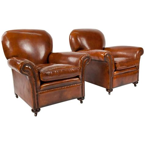 Quality Armchairs by Quality Pair Of Antique Leather Club Armchairs At 1stdibs