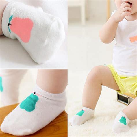 kaos kaki bayi pattern size m pink