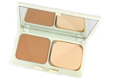 Bedak Revlon Absolute Radiance Review Revlon Absolute Radiance Two Way Powder Foundation