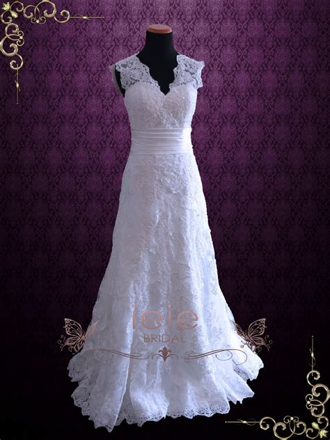Wedding Hair For Keyhole Back Dress by Ivory Vintage Style Lace Keyhole Back Wedding Dress With V