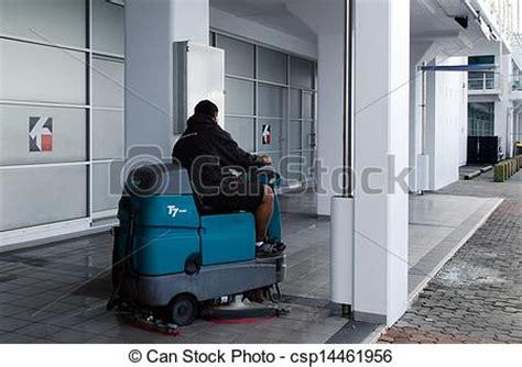 macchine per pulizia pavimenti prezzi macchina auto pulizia pavimento 26 ago 2013
