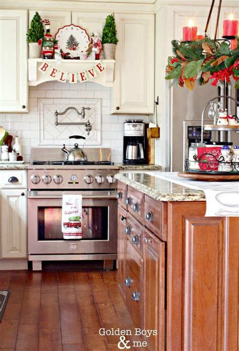kitchen mantel ideas 25 best ideas about christmas kitchen on pinterest