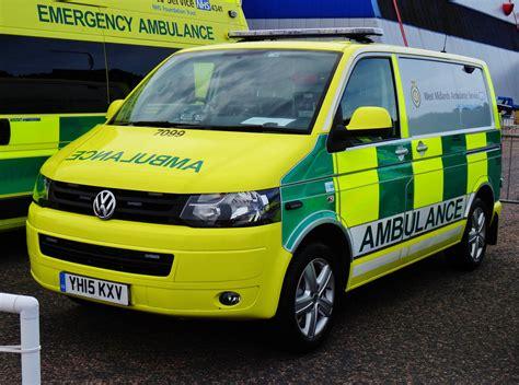 volkswagen emergency service west midlands ambulance service vw transporter 7099 yh15
