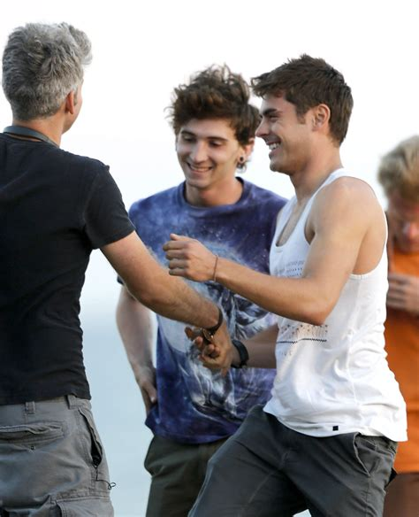 zac efron we are your friends zac efron hits the beach for quot we are your friends