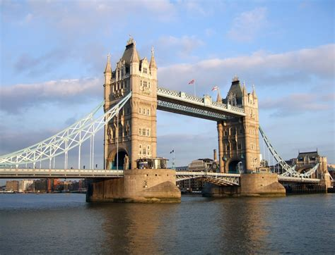 tower bridge and london bridge travel guide things to do found the world