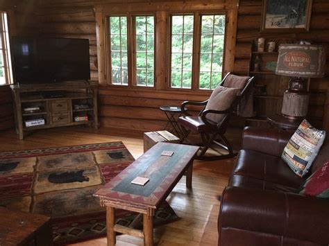 Hide Away Cabins by At Tree Lakeside Cabins Lodge